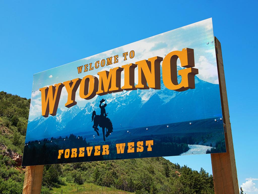 Shipping A Car To Or From Wyoming Wy